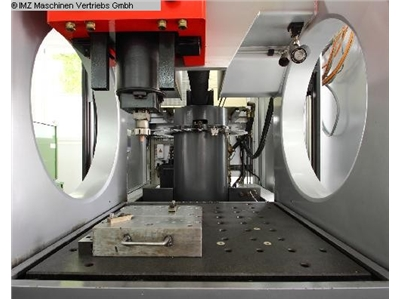 WALTER Exeron 400 C Cavity Sinking EDM - Machine