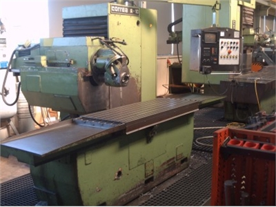 CORREA A 10 Bed Type Milling Machine - Universal