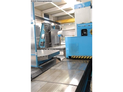 CNC-Unversal-Travelling Column Milling Machine